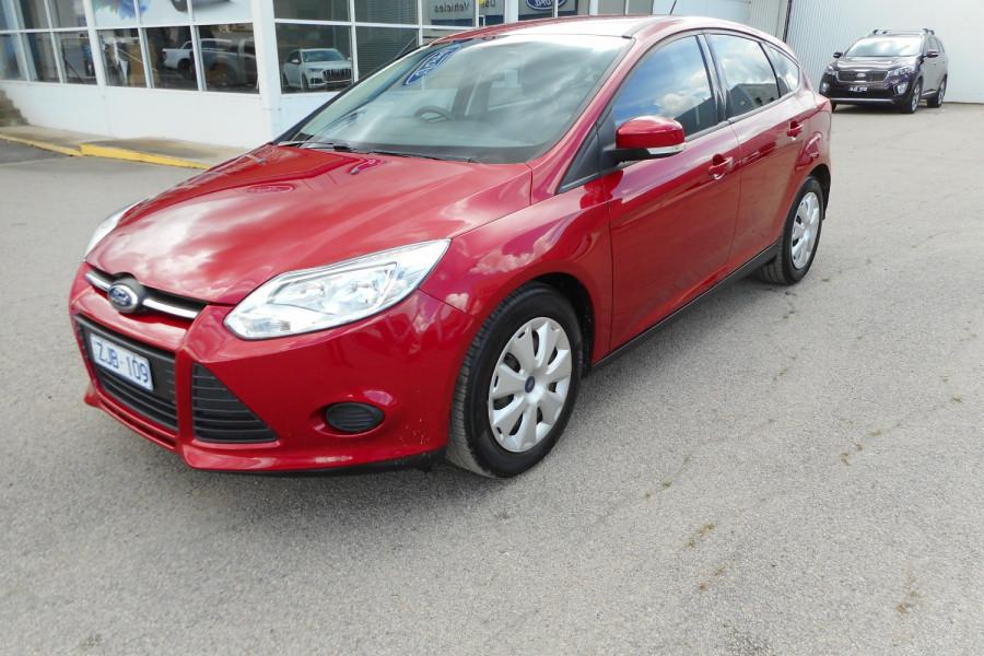 2012 Ford Focus LW  II AMBIENTE Hatchback Image 4