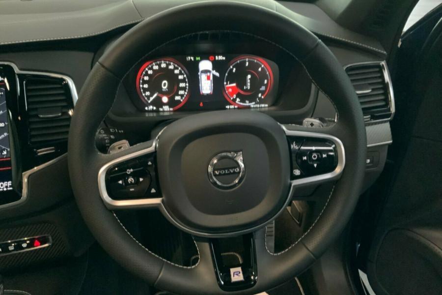 2018 MY19 Volvo XC90 256 MY19 D5 R-Design (AWD) Suv Mobile Image 19