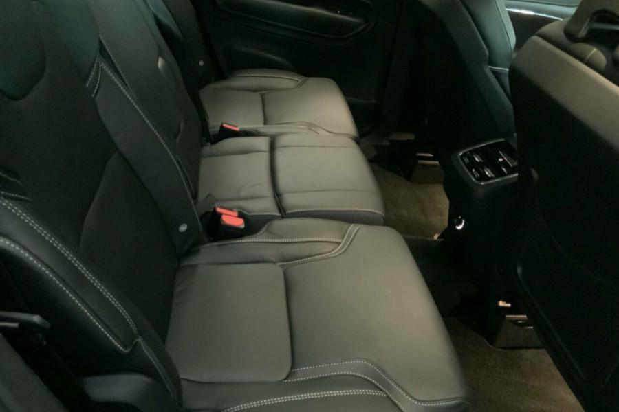 2018 MY19 Volvo XC90 256 MY19 D5 R-Design (AWD) Suv Mobile Image 22