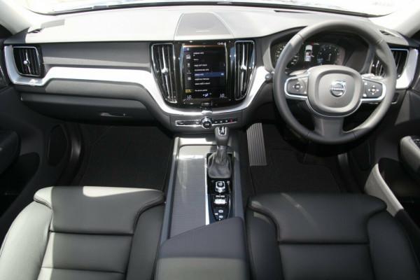 2020 MY21 Volvo XC60 UZ T5 Momentum Suv Image 5
