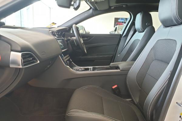 2019 Jaguar XE X760 R-Sport Sedan Image 3