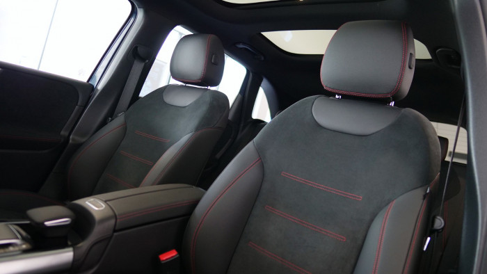 2020 Mercedes-Benz B Class Hatch Image 8