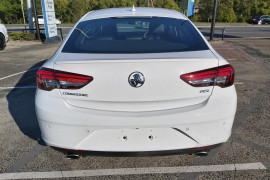 2018 Holden Commodore Tail lift