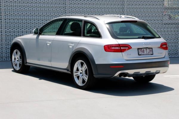 2013 Audi A4 B8 8K MY13 allroad Wagon Image 3