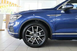 2019 Volkswagen Touareg CR Launch Edition Suv Image 5