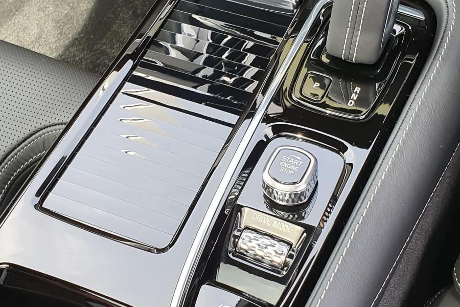 2020 Volvo S60 Z Series T8 R-Design Sedan Mobile Image 19