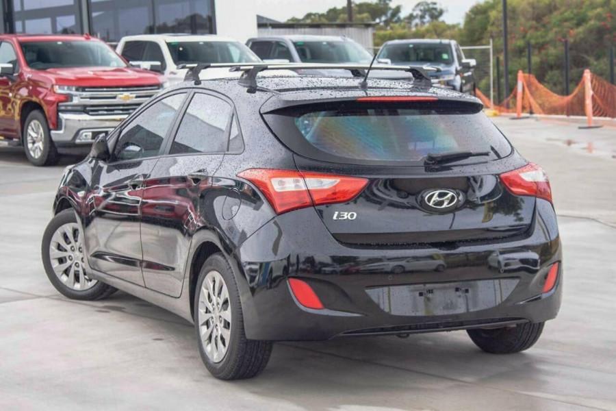2016 Hyundai i30 GD4 Series 2 Active Hatchback Image 2