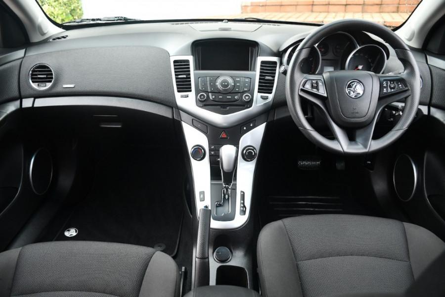 2014 Holden Cruze Vehicle Description. JH  II MY14 EQUIPE SED 4DR SA 6SP 1.8I Equipe Sedan Image 8