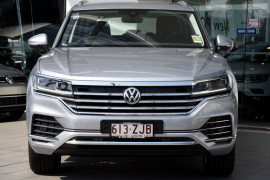 2019 MY20 Volkswagen Touareg CR 190TDi Suv Image 2