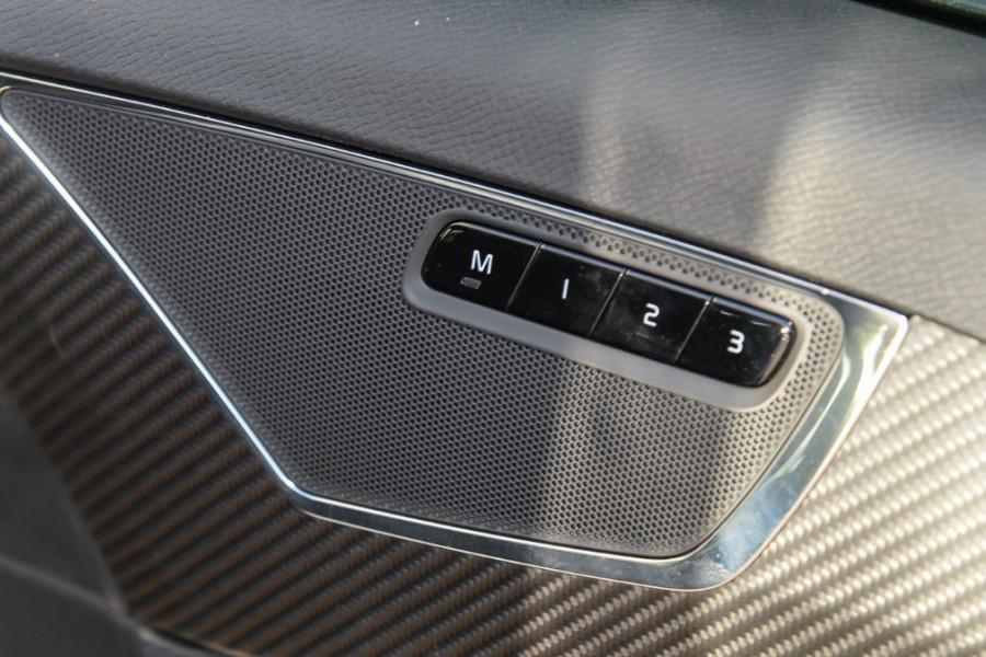 2017 Volvo XC90 L Series T6 R-Design Suv Mobile Image 16