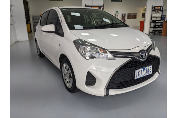 2014 Toyota Yaris NCP130R ASCENT Hatchback Image 4