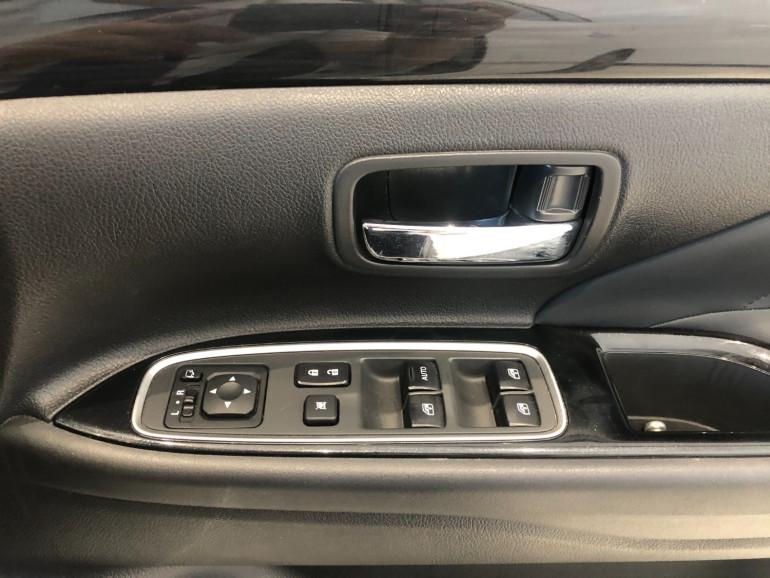 2017 Mitsubishi Outlander ZK PHEV LS Awd wagon Image 9
