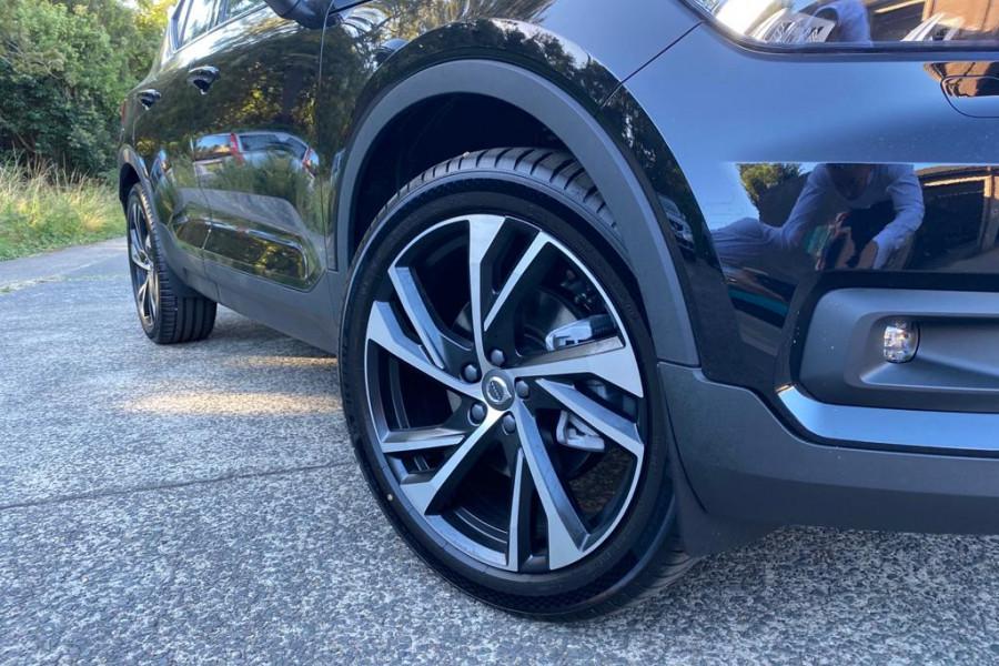 2021 Volvo XC40 T5 R-Design