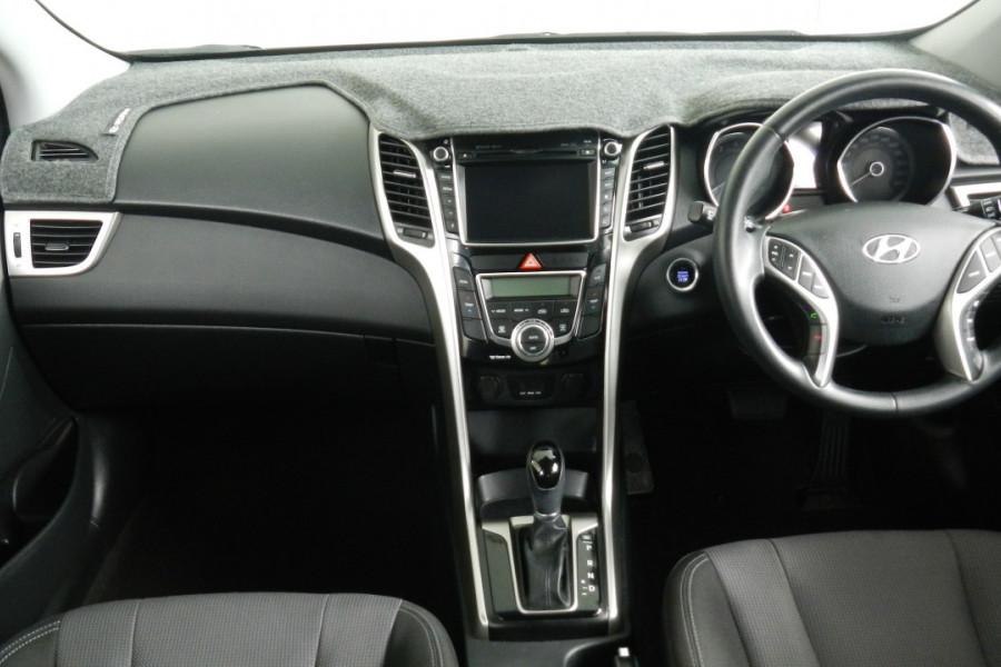 2013 MY14 Hyundai i30 GD2 Elite Hatchback Mobile Image 9