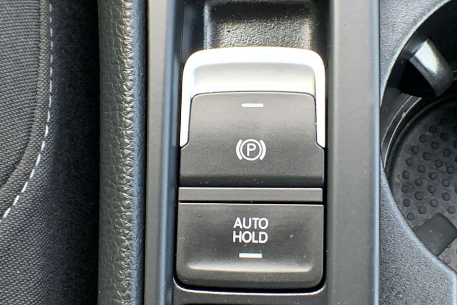 2016 MY17 Volkswagen Golf 7 92TSI Hatch Image 11
