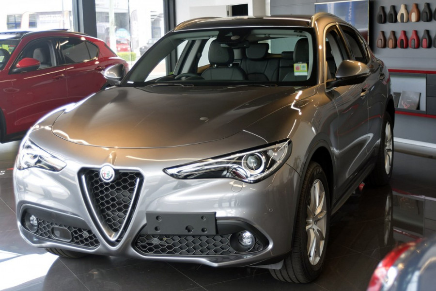 2018 Alfa Romeo Stelvio Stelvio Suv Mobile Image 2
