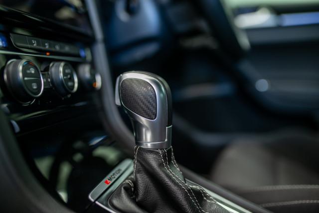 2017 MY18 Volkswagen Golf 7.5 R Grid Edition Hatch Image 25