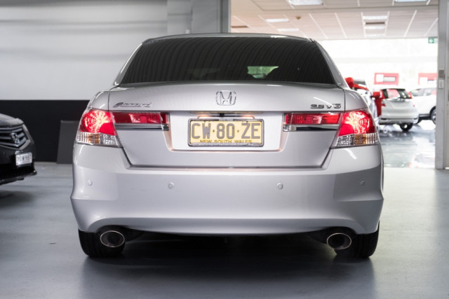 2013 MY12 Honda Accord 8th Gen  V6 Luxury Sedan Image 5