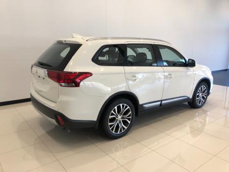 2017 Mitsubishi Outlander ZL ES ADAS Suv Image 4