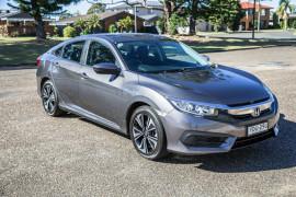 2016 Honda Civic 10th Gen  VTi Sedan Image 2