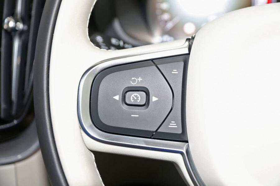 2020 MY21 Volvo XC60 UZ D4 Momentum Suv Image 19