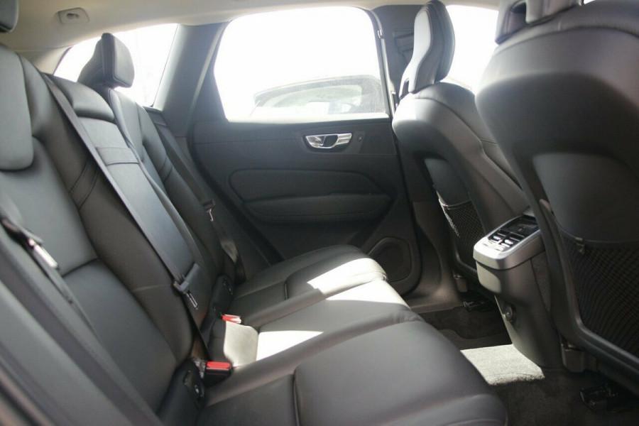2021 Volvo XC60 UZ T5 Momentum Suv Image 10