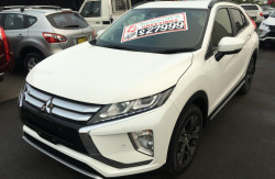 2018 Mitsubishi Eclipse Cross YA Turbo LS 2wd wagon Image 3