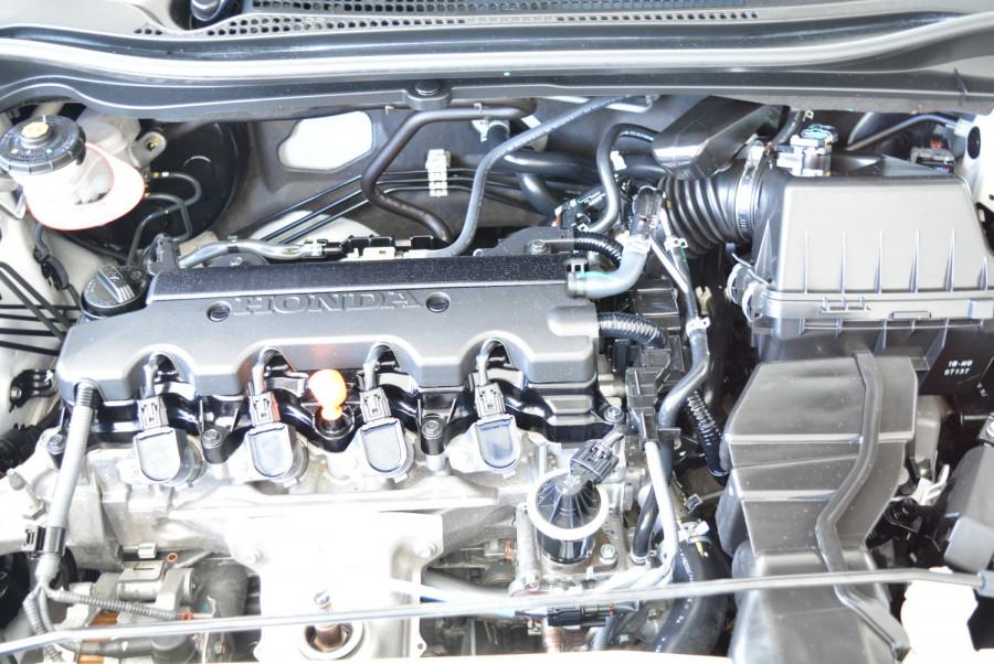 2016 Honda HR-V VTi-S Hatchback Image 12