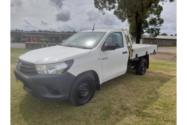 2015 MY14 Toyota HiLux KUN16R Turbo Workmate Cab chassis Image 3