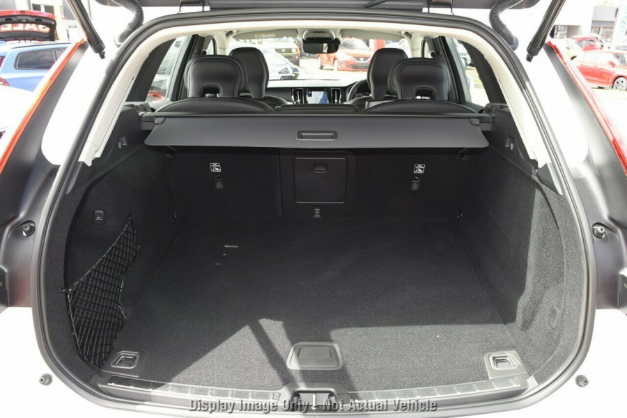 2019 MY20 Volvo XC60 UZ T5 Momentum Suv Mobile Image 19