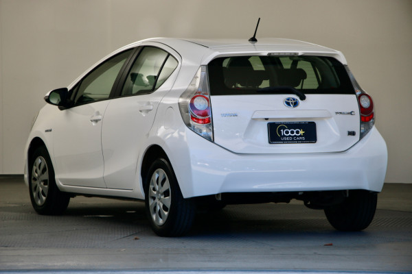2012 Toyota Prius C NHP10R i-Tech Hatchback Image 4