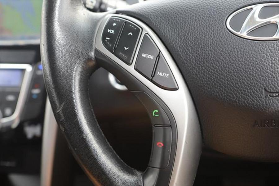 2012 Hyundai I30 GD Elite Hatchback Image 18