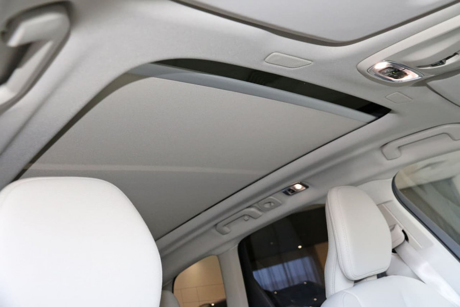 2020 MY21 Volvo XC60 UZ D4 Momentum Suv Image 6