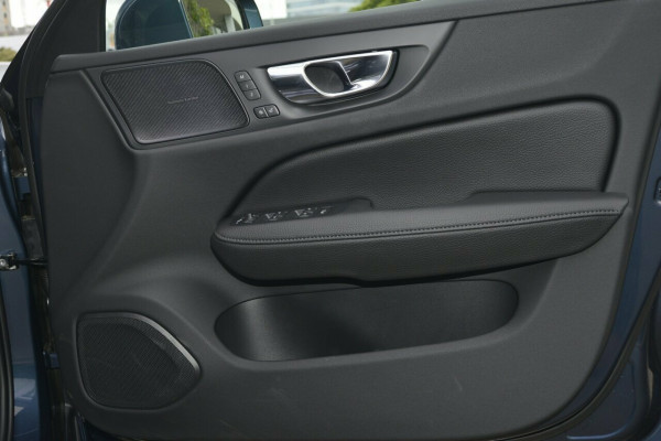 2019 MY20 Volvo V60 F-Series T5 Momentum Sedan Image 5