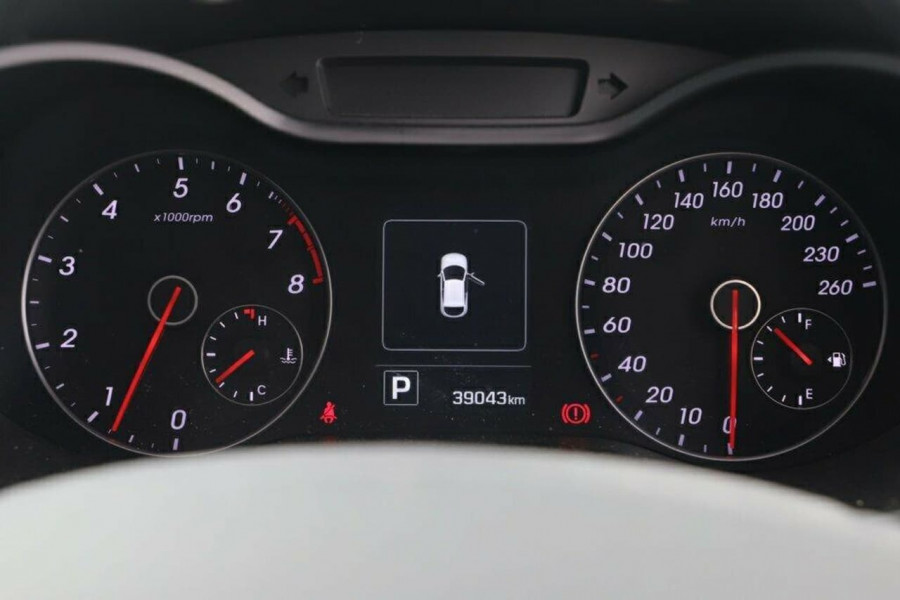 2016 Hyundai Veloster FS5 Series II Street Hatchback Image 17