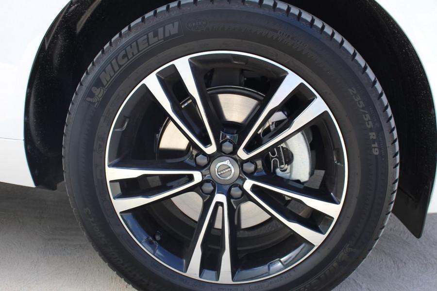 2021 Volvo XC60 UZ D4 Momentum Suv Image 8