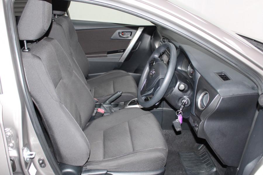 2013 Toyota Corolla ZRE182R Ascent Hatchback Image 22