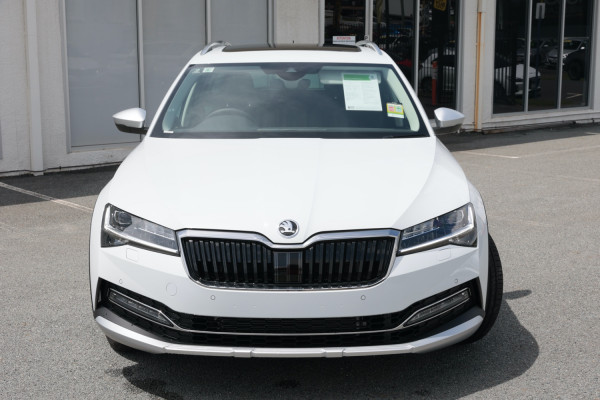 2020 MY21 Skoda Superb Wagon Image 2