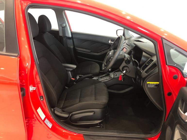 2015 Kia Cerato YD S Hatchback Image 9