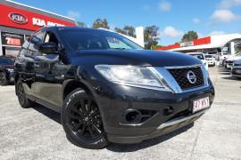 Nissan Pathfinder ST R52