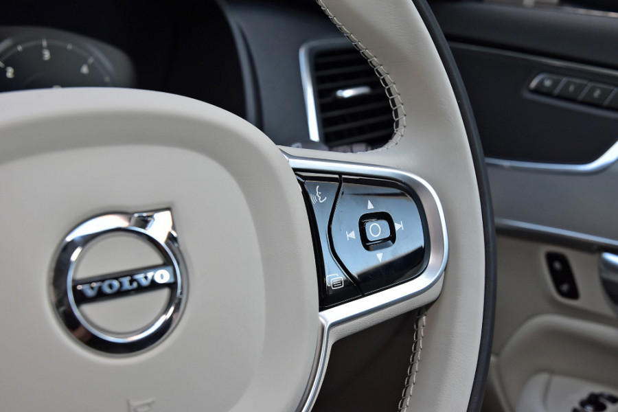 2018 MY19 Volvo XC90 L Series D5 Momentum Suv Mobile Image 22