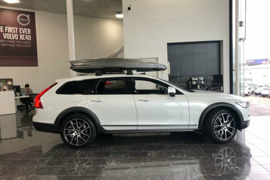 2019 MY20 Volvo V90 Cross Country D5 Wagon Mobile Image 8