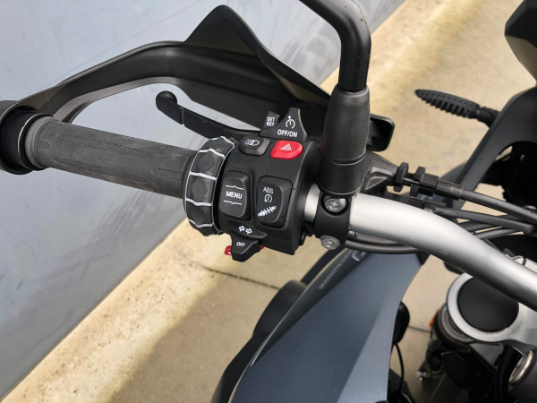 2020 BMW F750GS Tour Motorcycle Image 5