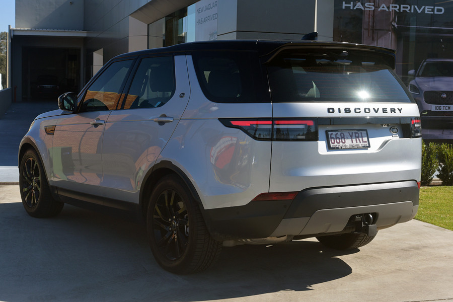 2018 MY19 Land Rover Discovery Series 5 SE Suv Mobile Image 4