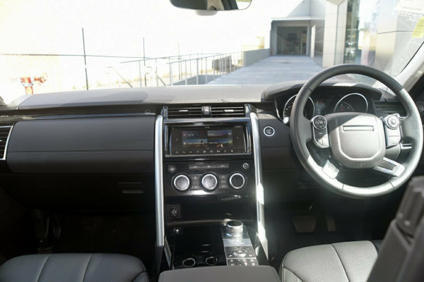 2017 Land Rover Discovery Vehicle Description.  5 L462 MY18 TD6 HSE WAG SA 8SP 3.0DT TD6 Suv