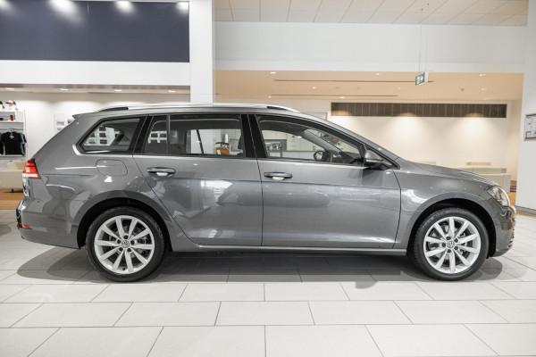 2020 Volkswagen Golf 7.5 110TSI Comfortline Wagon Image 5