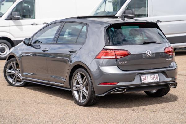 2017 Volkswagen Golf Hatchback Image 2