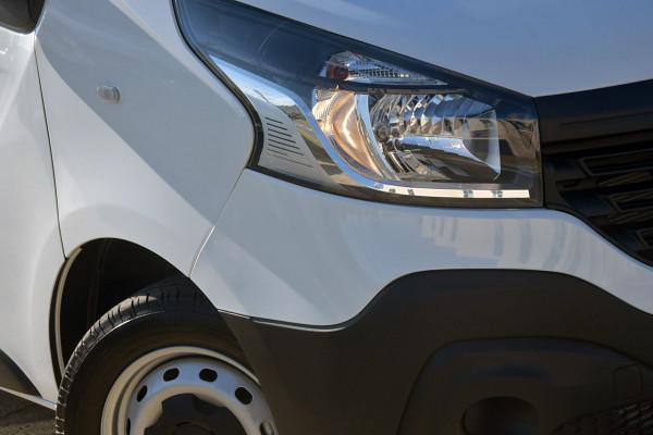 2018 Renault Trafic L1H1 Short Wheelbase Single Turbo Van Image 2