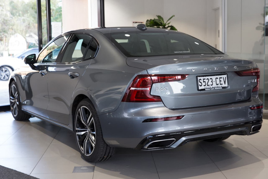 2020 Volvo S60 Z Series T5 R-Design Sedan
