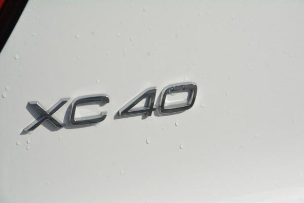 2019 MY20 Volvo XC40 XZ T4 Momentum Suv Image 4